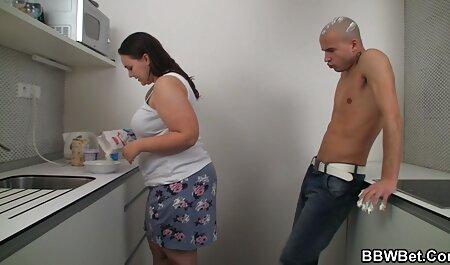 Busty slut ha video amatoriale sexi preso le mani in culo anale orgasmo