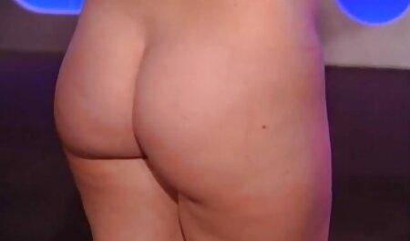 Porno retrò sex mature amatoriali con una ragazza alla reception.
